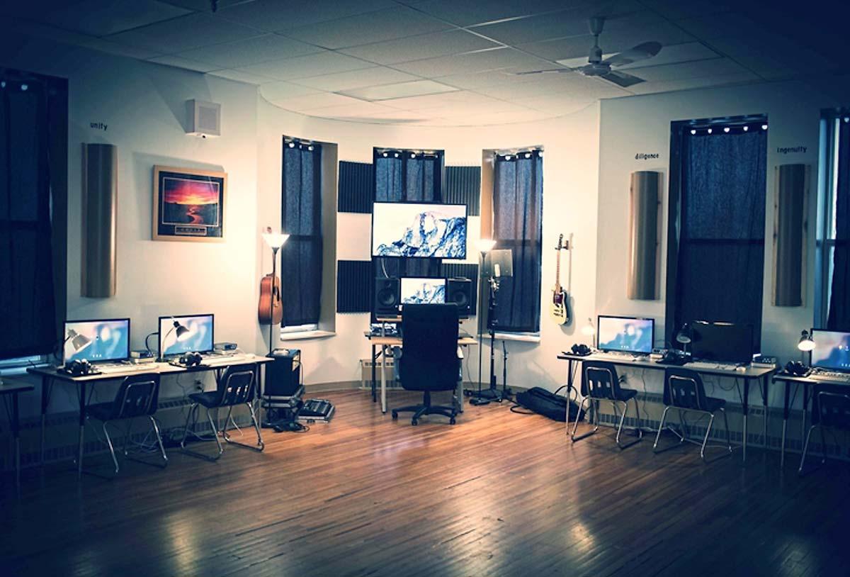Special Programs, Studio 6 Room